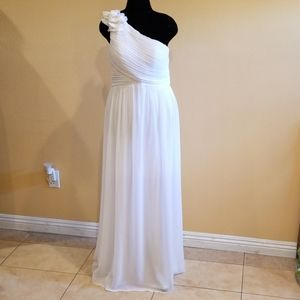 Ever Pretty White Sleeveless One Shoulder Gown